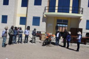 Entrega de muebles y equipos a centro poblado Puente Central (Antapaccay).