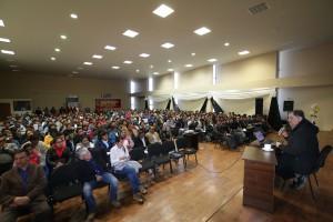 León Trahtemberg en conferencia con maestros de Espinar (Antapaccay).