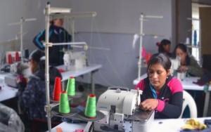 """""""Emprendimiento local mediante la promoción de textilería"""""""