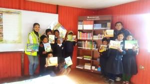 Buenaventura donó módulos de biblioteca a 8 escuelas del distrito de Tapay.